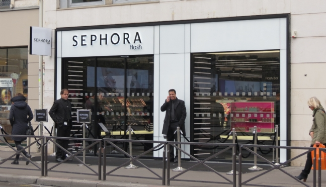 Retailoscope-Sephora-ouvre-Flash-son-premier-magasin-connecte-1-F