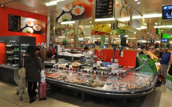 Un-gros-stand-sushis gallerie